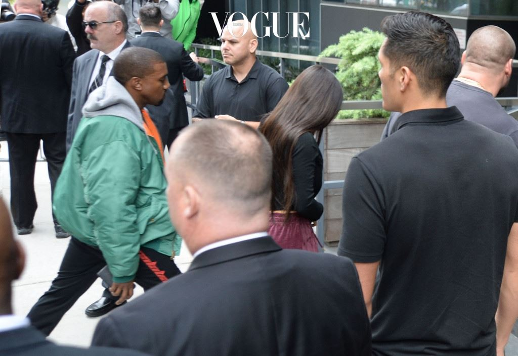 Kim Kardashian and Kanye West arrive at their NYC apartment after Kim allegedly was robbed in a Paris Hotel Pictured: Kim Kardashian and Kanye West Ref: SPL1364400  031016   Picture by: Splash News Splash News and Pictures Los Angeles:310-821-2666 New York: 212-619-2666 London:870-934-2666 photodesk@splashnews.com