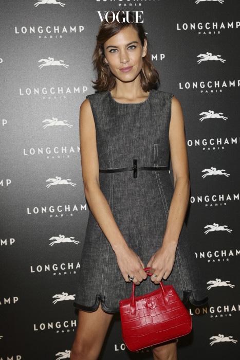 PARIS, FRANCE - OCTOBER 04:  Alexa Chung attends the Lonchamp Cocktail as part of the Paris Fashion Week Womenswear  Spring/Summer 2017 at Longchamp Boutique St Honore on October 4, 2016 in Paris, France.  (Photo by Vittorio Zunino Celotto/Getty Images)