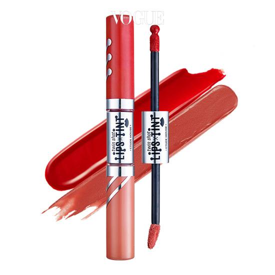 5. 에뛰드 하우스 '트윈샷 립스 틴트 RD 302 더스티 로즈샷 두 가지 틴트를 바를 수 있는 듀얼 타입. 무스 타입과 촉촉한 타입으로 구성되어 있어, 지속력있게 연출할 수 있어요.
