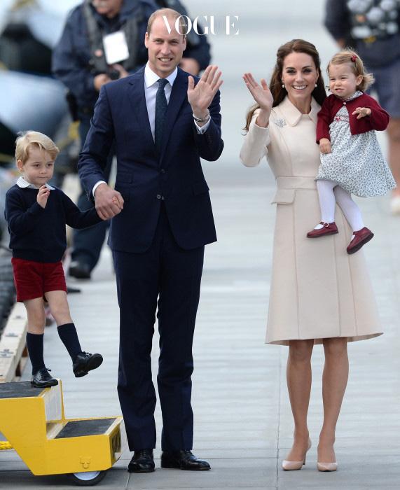 두 아이의 탄생으로 넷이 된 세기의 커플 윌리엄과 케이트!