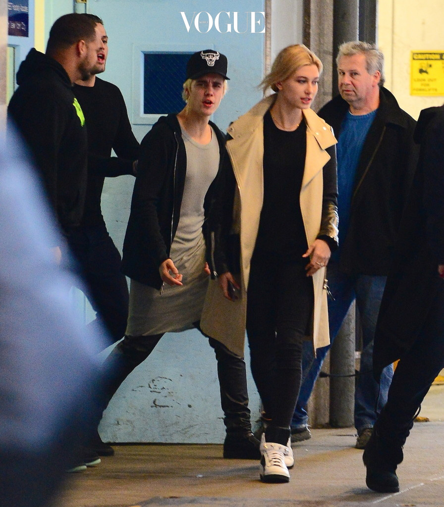 EXCLUSIVE: Justin Bieber and Hailey Baldwin are seen leaving lunch at JG Melon on NYC's Upper East Side. The pair left through a side door and were escorted to their car by security. Pictured: Justin Bieber and Hailey Baldwin Ref: SPL918472  281214   EXCLUSIVE Picture by: Splash News Splash News and Pictures Los Angeles:310-821-2666 New York:212-619-2666 London:870-934-2666 photodesk@splashnews.com