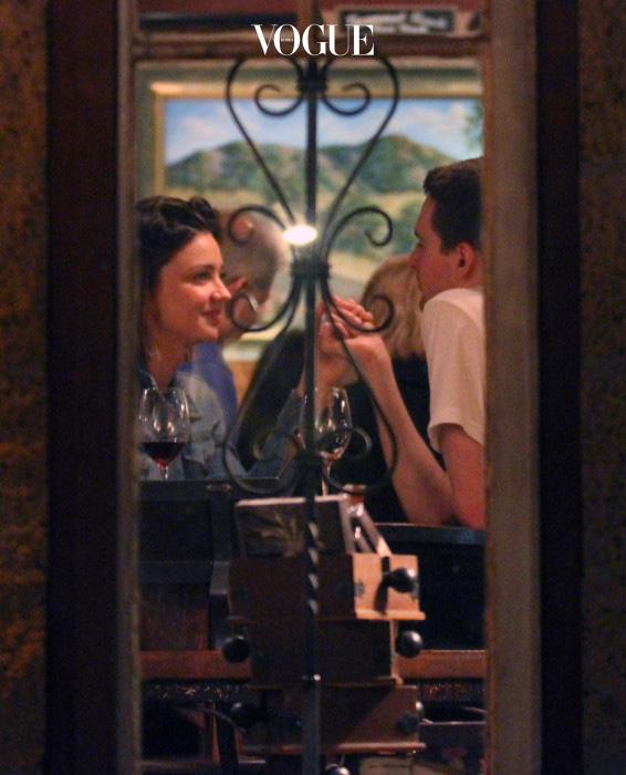 EXCLUSIVE: Miranda Kerr went for a date with her new billionaire boyfriend Evan Spiegel at a restaurant called The Old Place in Malibu. Miranda was also with her kids but had them wait in the car while the couple enjoyed a romantic dinner. The couple were dancing, holding hands & hugging while inside. Miranda was laughing & smiling after she stuck her finger in her mouth trying to pick out a piece of food stuck in her teeth. The couple drank wine while eating cheese & crackers. Miranda stuck her fingers in her mouth & let out a loud whistle giving applause to the live band that was playing inside the restaurant. Before the couple left Miranda shopped around inside the winery next door & purchased a Relationship His & Her double case of wine.  Pictured:   Miranda Kerr & Evan Spiegel Ref: SPL1245652  120316   EXCLUSIVE Picture by: Ability Films / Splash News Splash News and Pictures Los Angeles:310-821-2666 New York: 212-619-2666 London:870-934-2666 photodesk@splashnews.com