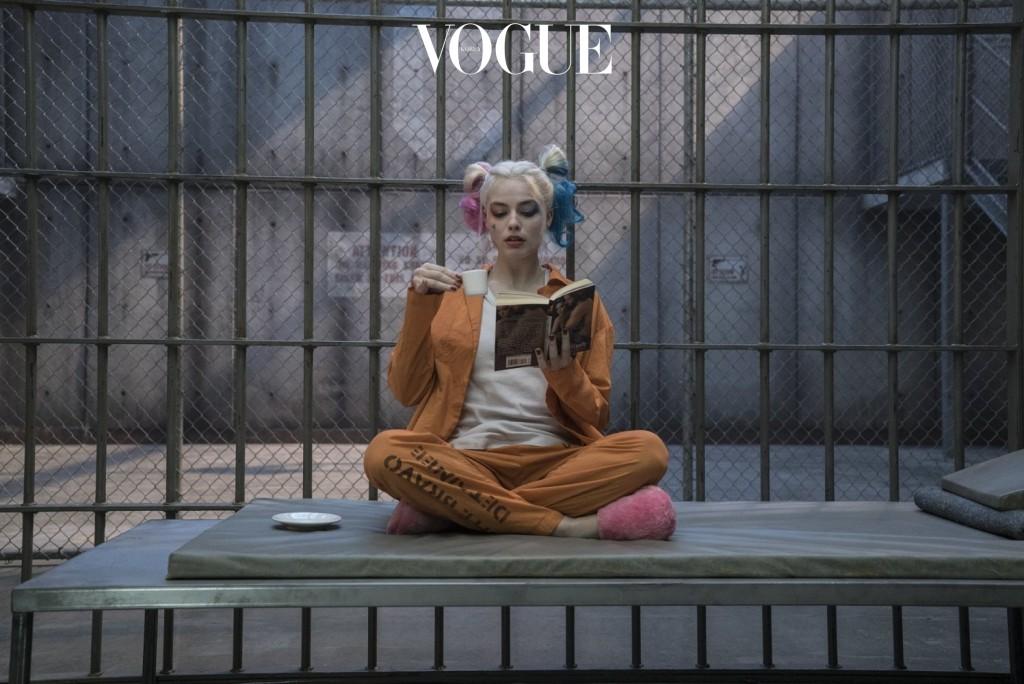 그리고 마침내! 영화에선 사랑에 미친 '할리퀸'역을 제옷을 입은 듯 캐릭터를 200% 완벽 소화해냈습니다. '할리퀸이라는 캐릭터는 그녀를 위해 만들어졌다'고 호평을 받았을 만큼 2016년을 그녀의 한 해로 만들어냈습니다.