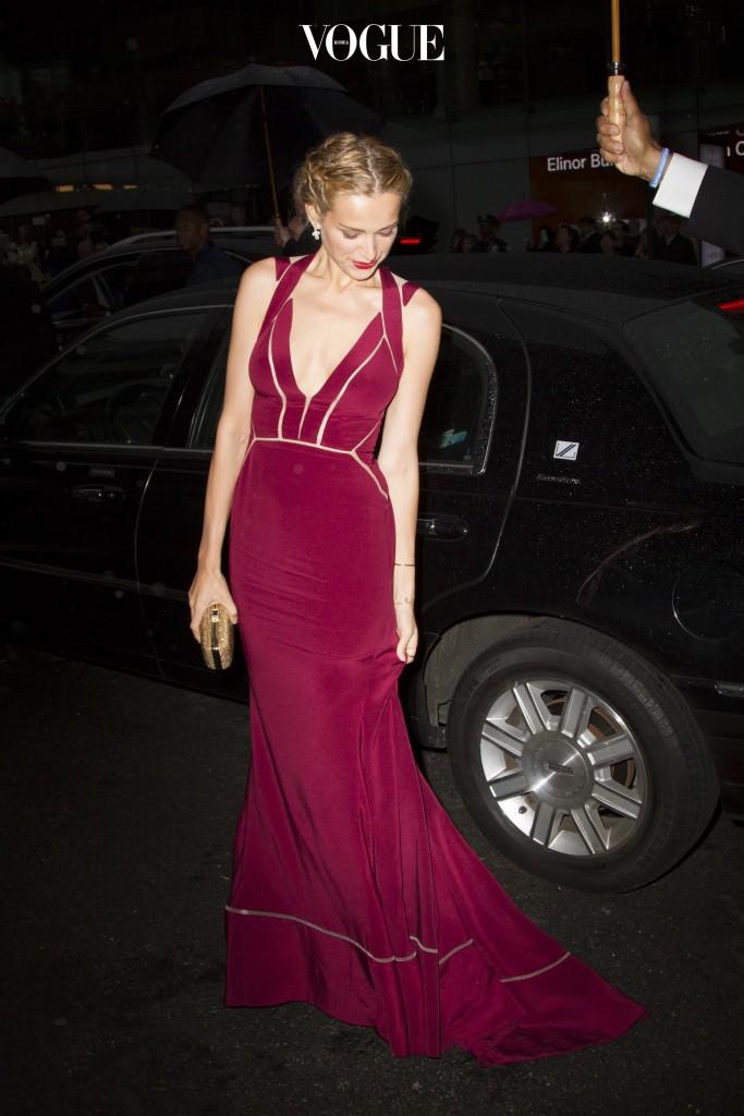 Petra Nemcova arrives at the 2015 CFDA Fashion Awards in New York City. Pictured: Petra Nemcova Ref: SPL1042454  010615   Picture by: Splash News Splash News and Pictures Los Angeles:310-821-2666 New York: 212-619-2666 London:870-934-2666 photodesk@splashnews.com