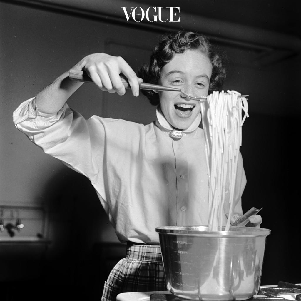 #5 혼자서도 잘 논다. 요리도 하고, 뜨개질도 하고, 운동도 하고, 심지어 아무것도 안 해도 시간이 금방 간다.
