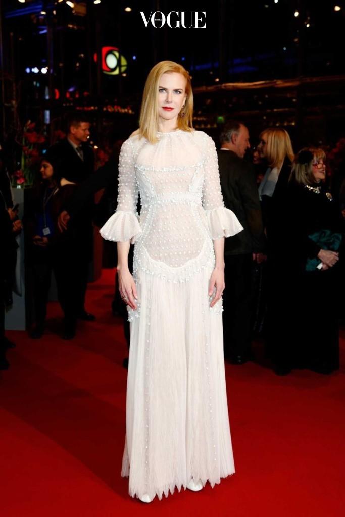2015년 베를린 국제 영화제  시사회에서 발렌티노 드레스를 입은 니콜 키드먼(Nicole Kidman).
