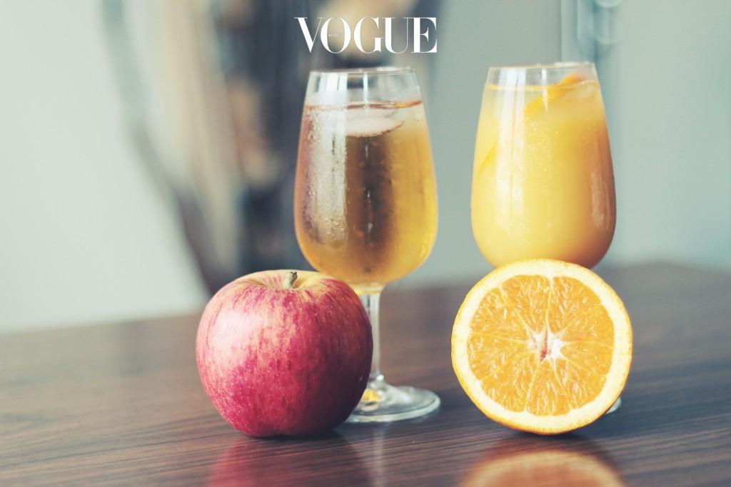 상큼한 사과, 오렌지 주스로 활력을 불어넣어주세요. 시트러스 계열의 향은 반사적으로 코르티솔 호르몬을 줄여주는 역할을 한답니다. 카페인 대용으로 기분 좋은 아침을 맞이할 수 있답니다.