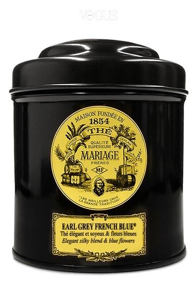 """""""향긋한 티 한잔의 여유가 필요할 땐 어김없이 마리아쥬 프레르 '얼그레이 프렌치 블루'를 찾아요. 푸른빛 수레국화 잎이 전하는 우아한 향은 그 어떤 티와 견주어도 부족함 없죠."""" _전민아(잼앤페블스)"""