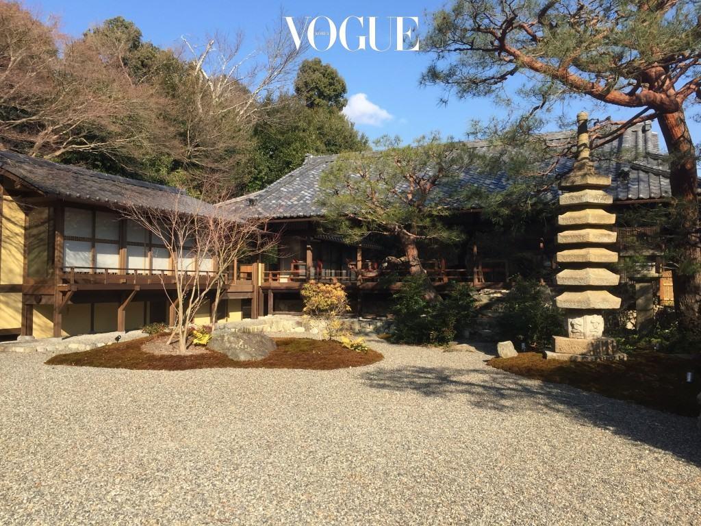 수이란 최고의 뷰는 바로 이 지점이다. 다정한 산세에 둘러싸인 목조 건물은 1899년, 사업가 쇼조 가와사키(Shozo Kawasaki)의 여름 별장으로 지어진 것으로 200년 된 소나무가 우뚝 선 일본식 정원과 함께 당시의 풍경을 고스란히 간직하고 있다. 호텔 내 파인 다이닝과 조식을 제공하는 레스토랑 쿄 수이란(Kyo-Suiran)이 이 건물 안에 있다.