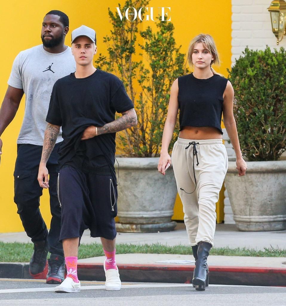 Justin Bieber and Hailey Baldwin walk around Beverly Hills Wednesday afternoon. Pictured: justin bieber, hailey baldwin Ref: SPL1145787  071015   Picture by: Splash News Splash News and Pictures Los Angeles:310-821-2666 New York:212-619-2666 London: 870-934-2666 photodesk@splashnews.com