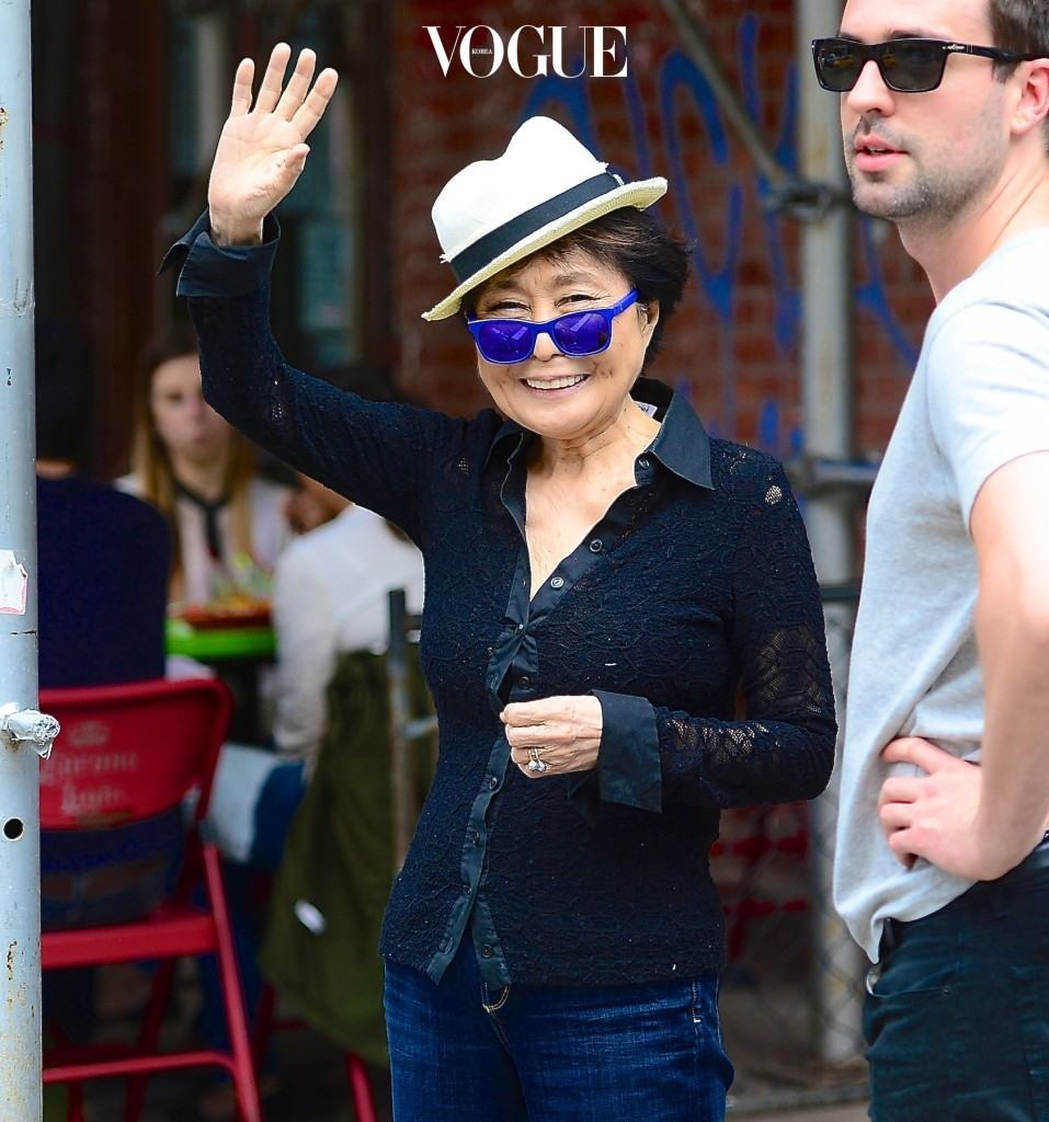 Yoko Oko was spotted out with a friend as they walked through the West Village of NYC. She gave a smile and big wave to the cameras as she headed into a small cafe. Pictured: Yoko Ono Ref: SPL769685  300514   Picture by: 247PapsTV / Splash News Splash News and Pictures Los Angeles:310-821-2666 New York:212-619-2666 London:870-934-2666 photodesk@splashnews.com