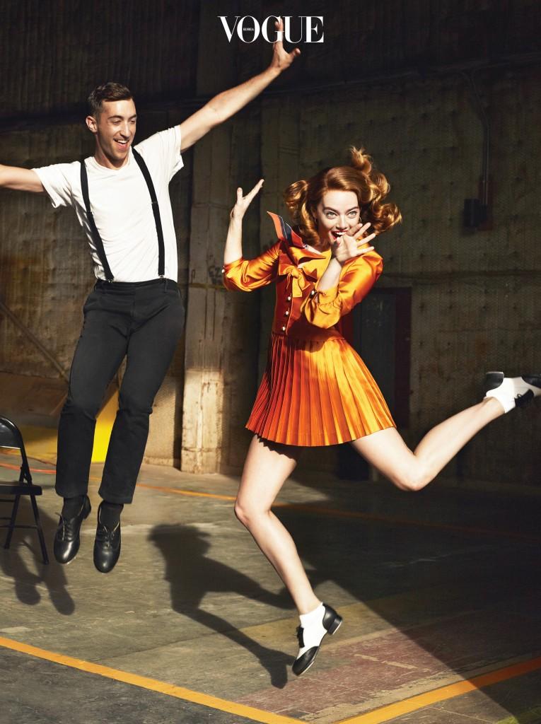 GUY AND DOLL는 할리우드에서 더 이상 만들지 않는 복고풍의 영화다. 그렇기에 더 혁신적이다. 엠마가 입은 드레스는 구찌(Gucci), 스카프는 디올(Dior), 탭 슈즈는 레오스 댄스웨어(Leo's Dancewear).