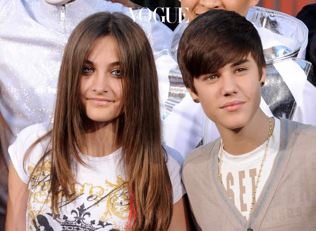 LOS ANGELES, CA - JANUARY 26:  Paris Jackson (L) and singer Justin Bieber pose at the Michael Jackson Hand and Footprint ceremony at Grauman's Chinese Theatre on January 26, 2012 in Los Angeles, California.  (Photo by Kevin Winter/Getty Images)