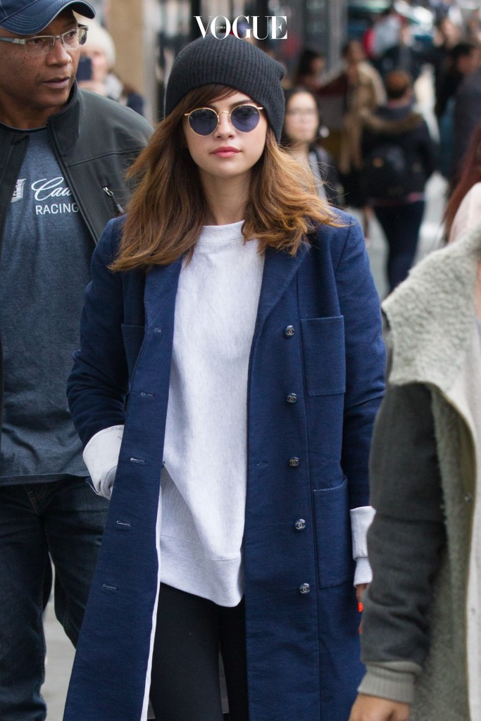EXCLUSIVE: Selena Gomez goes for lunch at Vapiano Pizza and Pasta Bar in Melbourne. Selena wore black 70's glasses with a large blue jacket, white top and black pants. After having lunch Selena quickly stopped into 'Topshop' in Melbourne's CBD for a spot of shopping. Pictured: Selena Gomez Ref: SPL1330717  050816   EXCLUSIVE Picture by: Splash News Splash News and Pictures Los Angeles:310-821-2666 New York:212-619-2666 London:870-934-2666 photodesk@splashnews.com