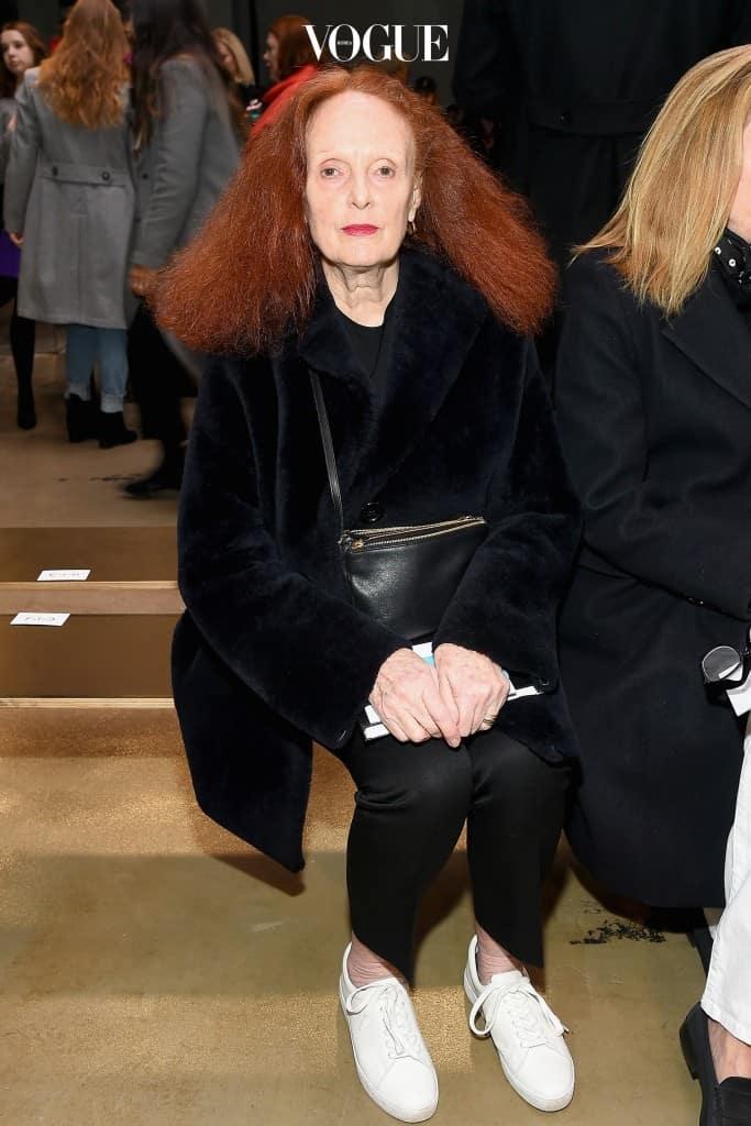 1941년생, 올해 나이 77세! 모델로 활동하다 1988년 미국 의 크리에이티브 디렉터가 된, '비주얼 장인'이라는 칭호가 부족한 그레이스 코딩턴. 예술과도 같은 그녀의 패션 사진은 지금까지 감동을 불러일으키고 있죠.