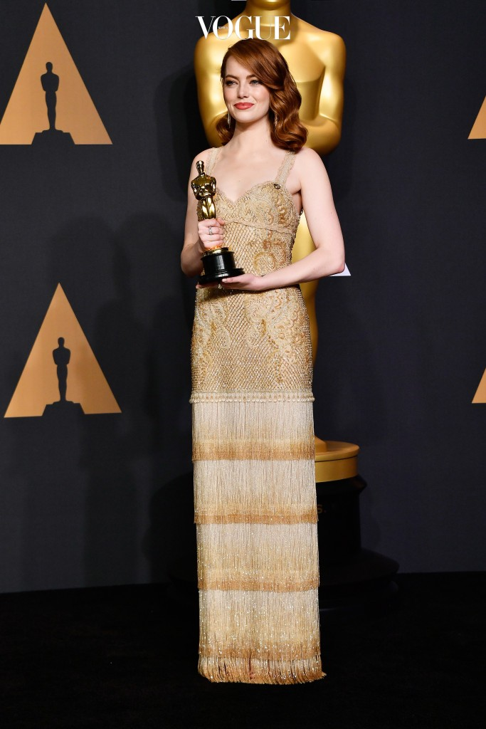 HOLLYWOOD, CA - FEBRUARY 26:  Actress Emma Stone, winner of Best Actress for 'La La Land' poses in the press room during the 89th Annual Academy Awards at Hollywood & Highland Center on February 26, 2017 in Hollywood, California.  (Photo by Frazer Harrison/Getty Images)