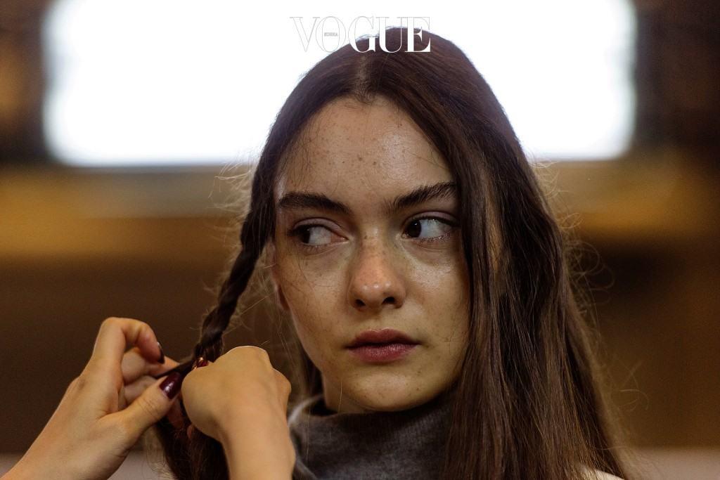 그리고 최근 모델계를 강타한 소녀들 상당수가 이런 주근깨를 탑재했다는 사실! 아바 달렘 Ava Dahlem