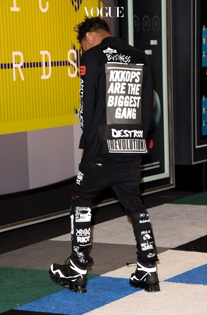 LOS ANGELES, CA - AUGUST 30:  Rapper Vic Mensa attends the 2015 MTV Video Music Awards at Microsoft Theater on August 30, 2015 in Los Angeles, California.  (Photo by Jason Merritt/Getty Images)