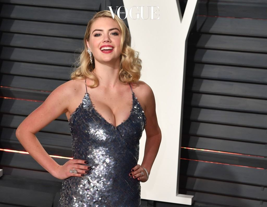 Celebrities attend the 2017 Vanity Fair Oscar Party at Wallis Annenberg Center for the Performing Arts on February 26, 2017 in Beverly Hills, California. Pictured: Kate Upton Ref: SPL1463205 260217 Picture by: Splash News Splash News and Pictures Los Angeles:310-821-2666 New York:212-619-2666 London:870-934-2666 photodesk@splashnews.com