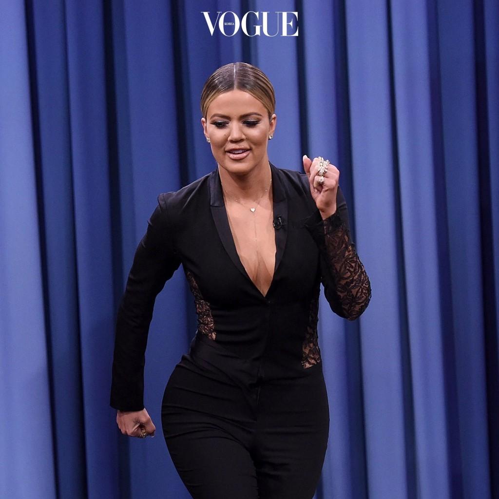 카다시안 군단이 전세계 골반 시장을 장악한 것은 사실이지만, 이들만큼 유명한, 감탄을 자아내게 하는 스타들은 꽤 많습니다. Khloe Kardashian