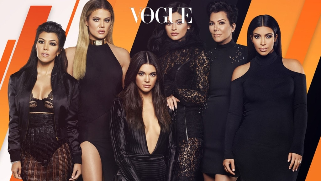 Keeping Up with the Kardashians (E! Entertainment) Season 11, 2015-2016 Shown from left: Kourtney Kardashian, Khloe Kardashian, Kendall Jenner, Kylie Jenner, Kris Jenner, Kim Kardashian West
