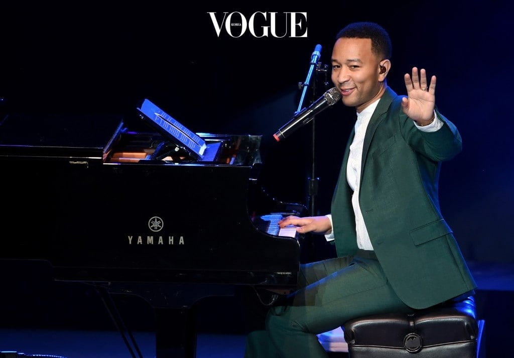 """LOS ANGELES, CA - JUNE 06:  Musician John Legend performs onstage during the """"Hillary Clinton: She's With Us"""" concert at The Greek Theatre on June 6, 2016 in Los Angeles, California.  (Photo by Kevin Winter/Getty Images)"""