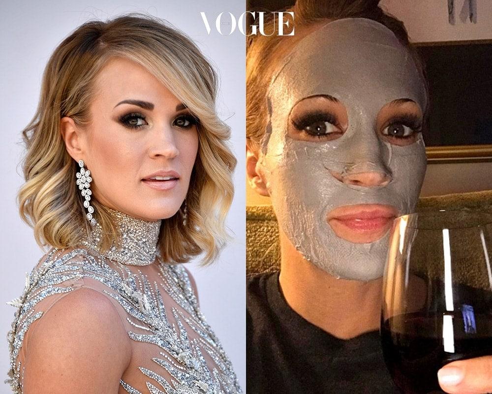 캐리 언더우드 (Carrie Underwood)  '아메리칸 아이돌'이 낳은 대표 가수, 캐리 언더우드! 필링 오프 마스크를 바르고 함께 즐기는 와인 한 잔 만큼 호사로운 일은 없다며 인증샷을 남겼군요.