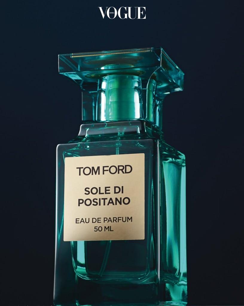 지중해의 보석, 이탈리아 포시타노에서 영감을 얻어 탄생한 그리너리 향수. 톰 포드 특유의 센슈얼함과 푸른 이끼의 신선함이 어우러진 이국적 향이다.