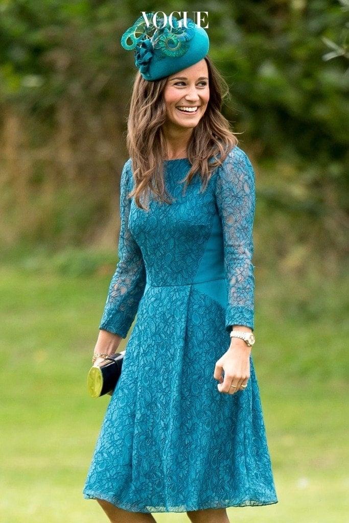 사실 그녀는 들러리의 모습이 포착된 2012년부터 온갖 영국 매체의 단골 손님이었습니다. 그녀가 입고 나온 옷이 다음날 품절된다는 것은 이미 유명한 이야기죠.