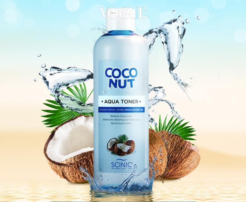 '천연 이온 음료'라고 불리는 코코넛 워터는 칼륨과 전해질이 많아 즉각적으로 인체에 수분을 공급하죠. 싸이닉 코코넛 아쿠아는 코코넛 워터가 피부 속까지 청량한 수분을 공급하고 엑스트라 버진 코코넛 오일 성분이 수분의 증발을 차단해 토너 워시 특유의 보습력을 톡톡히 누릴 수 있답니다! 500ml, 가격 1만 원대.