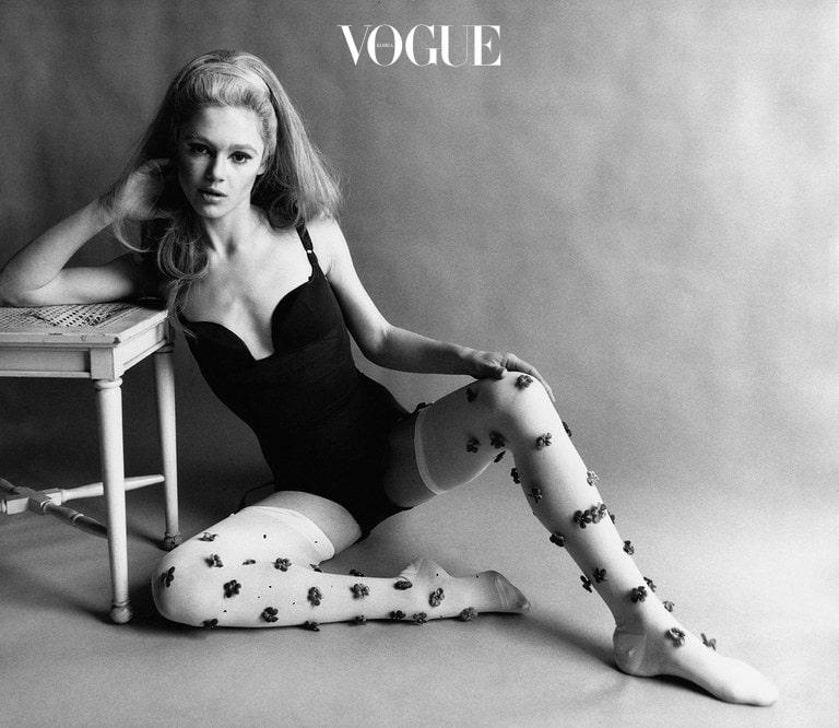 ⓒVanity Fair 54년이라는 긴 세월동안 패션모델로 일해온 69세 현역 모델이자 영양 학자로 활동하고 있죠.