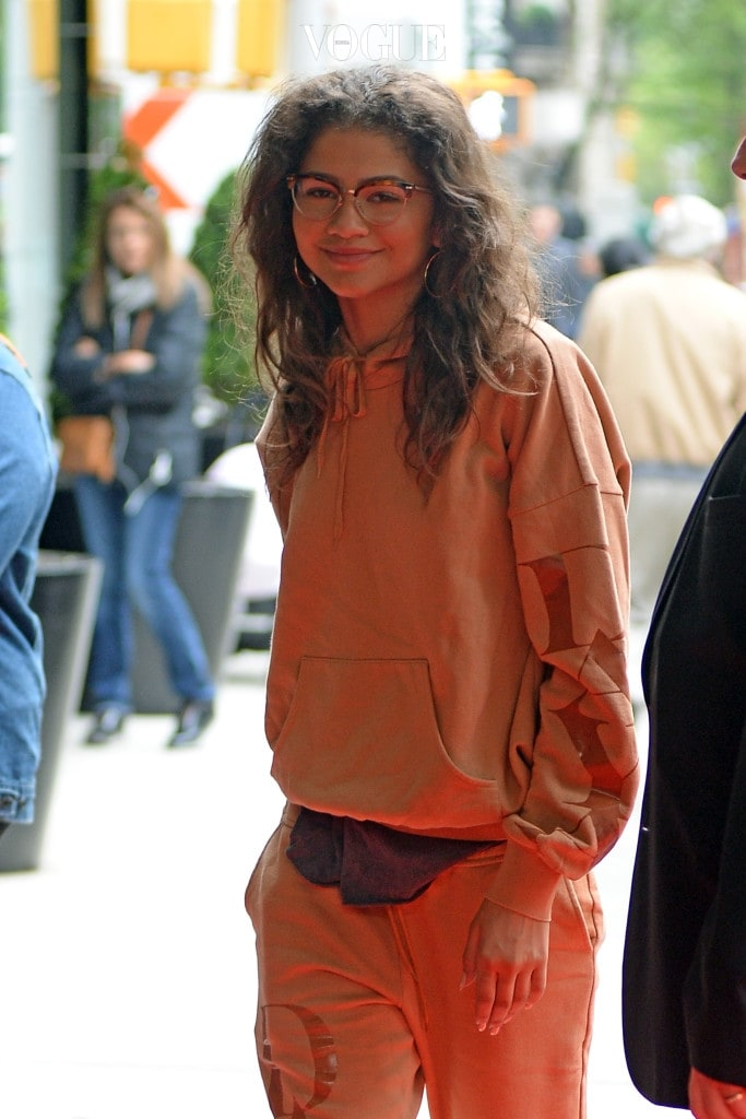 Zendaya Arrives at her Hotel this morning ahead of the Met Gala Tonight