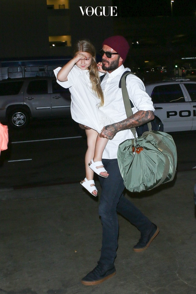 David Beckham and family are seen at LAX in Los Angeles, California. Pictured: David Beckham Ref: SPL1383720  291016   Picture by: starzfly/Bauergriffin.com