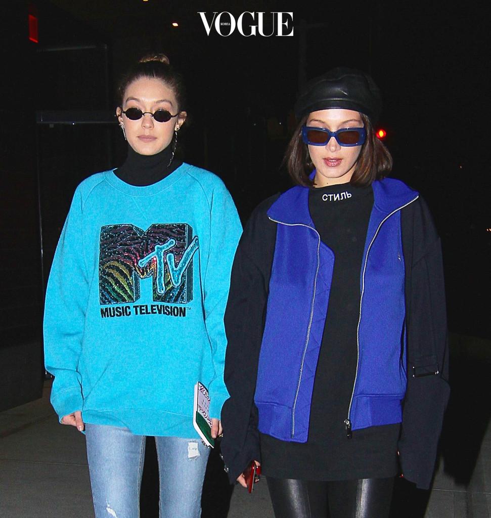90년대 패션에 푹빠진 그녀들이 요즘 애용하는 헤어 액세서리가 있다는데요?