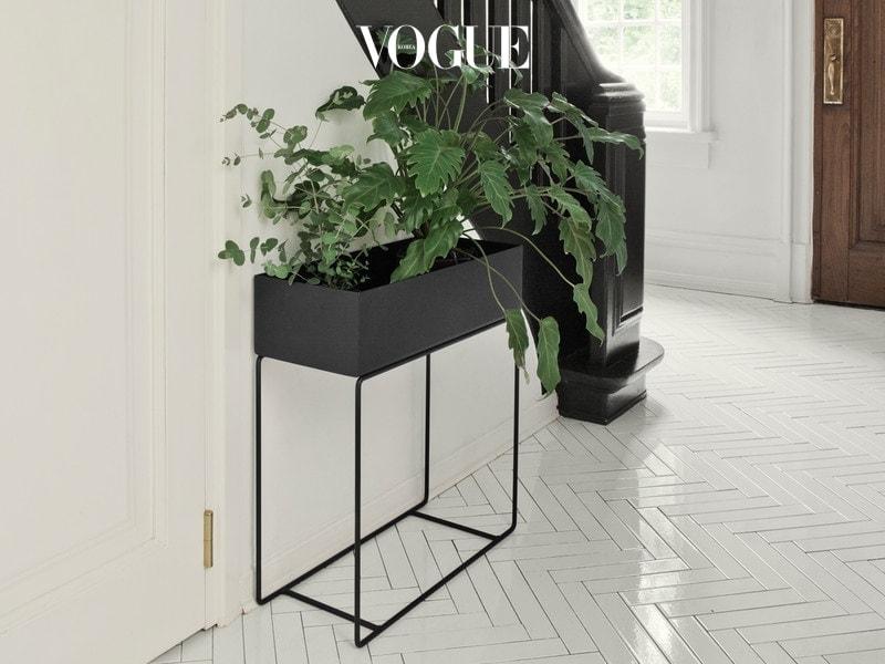 Ferm-Living-Plant-Box-Black-lifestyle