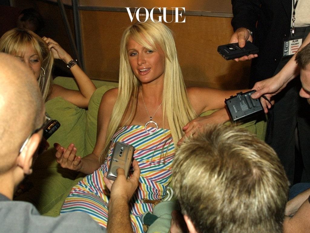 밀레니엄을 맞아 전세계가 설렘과 환희에 빠져있던 2000년대 초반, 요즘의 켄달 제너나 지지 하디드 못지 않게 패션계를 장악했던 비선 실세가 있었죠.