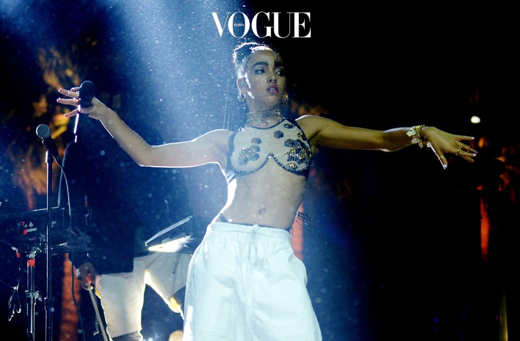 INDIO, CA - APRIL 11:  Singer-songwriter FKA Twigs performs onstage during day 2 of the 2015 Coachella Valley Music & Arts Festival (Weekend 1) at the Empire Polo Club on April 11, 2015 in Indio, California.  (Photo by Matt Cowan/Getty Images)