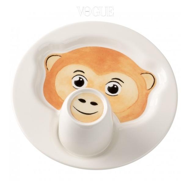 원숭이가 그려진 독특한 형태의 접시는 빌레로이 앤 보흐(Villeroy & Boch).