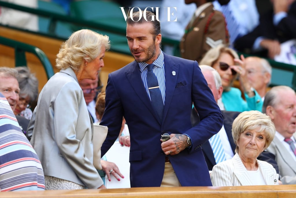 영국을 대표하는 스타 중 한 명인 데이비드 베컴도 로열 박스에 착석했습니다. 윔블던의 오랜 디자인 파트너인 랄프 로렌의 스트라이프 셔츠와 슈트를 입은 그에게서 영국 신사다운 깔끔함이 엿보입니다.