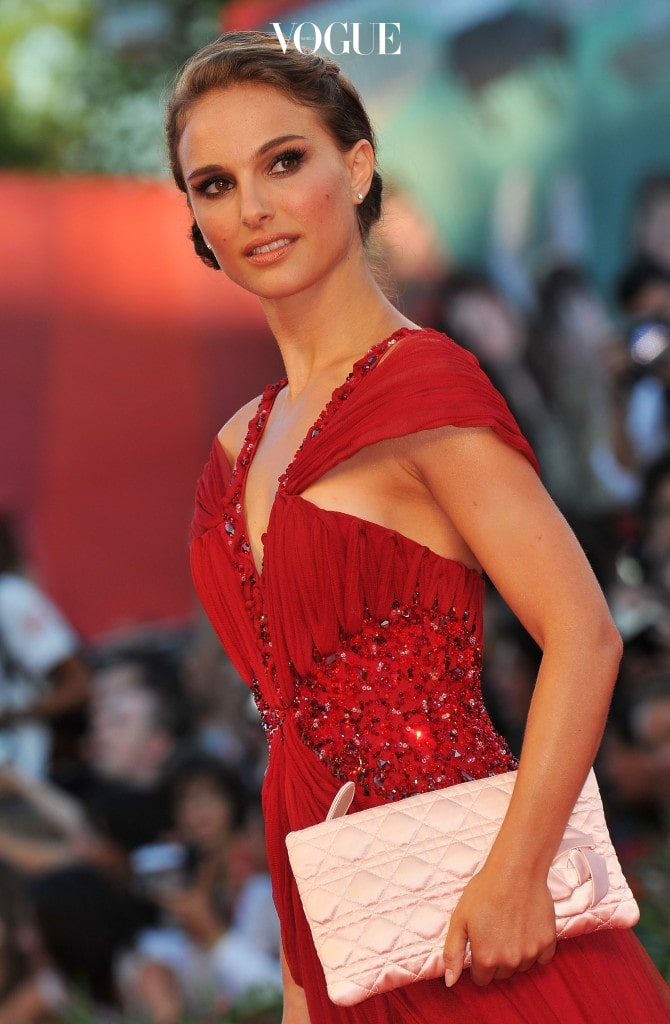 """VENICE, ITALY - SEPTEMBER 01:  Actress Natalie Portman attends the Opening Ceremony and """"Black Swan"""" premiere during the 67th Venice Film Festival at the Sala Grande Palazzo Del Cinema on September 1, 2010 in Venice, Italy.  (Photo by Pascal Le Segretain/Getty Images)"""