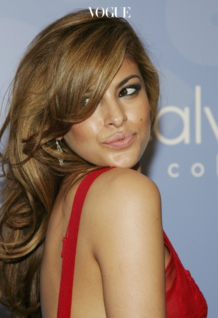 NEW YORK - MAY 11:  Actress Eva Mendes attends the Whitney Contemporaries hosted ARTPARTY, benefiting the Whitney Museum of American Art's Independent Study Program and sponsored by Calvin Klein, at Skylight May 11, 2006 in New York City.  (Photo by Evan Agostini/Getty Images)