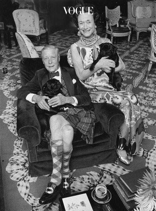 사진 속 윈저 공작 부인이 착용한 주얼리는 전부 케네스 제이 레인.