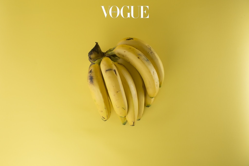 멜라토닌의 근원인 세로토닌이 풍부한 바나나. 생으로 섭취해도 좋지만 우유와 함께 갈아 마셔도 좋겠습니다. 이때 얼음은 생략할 것!