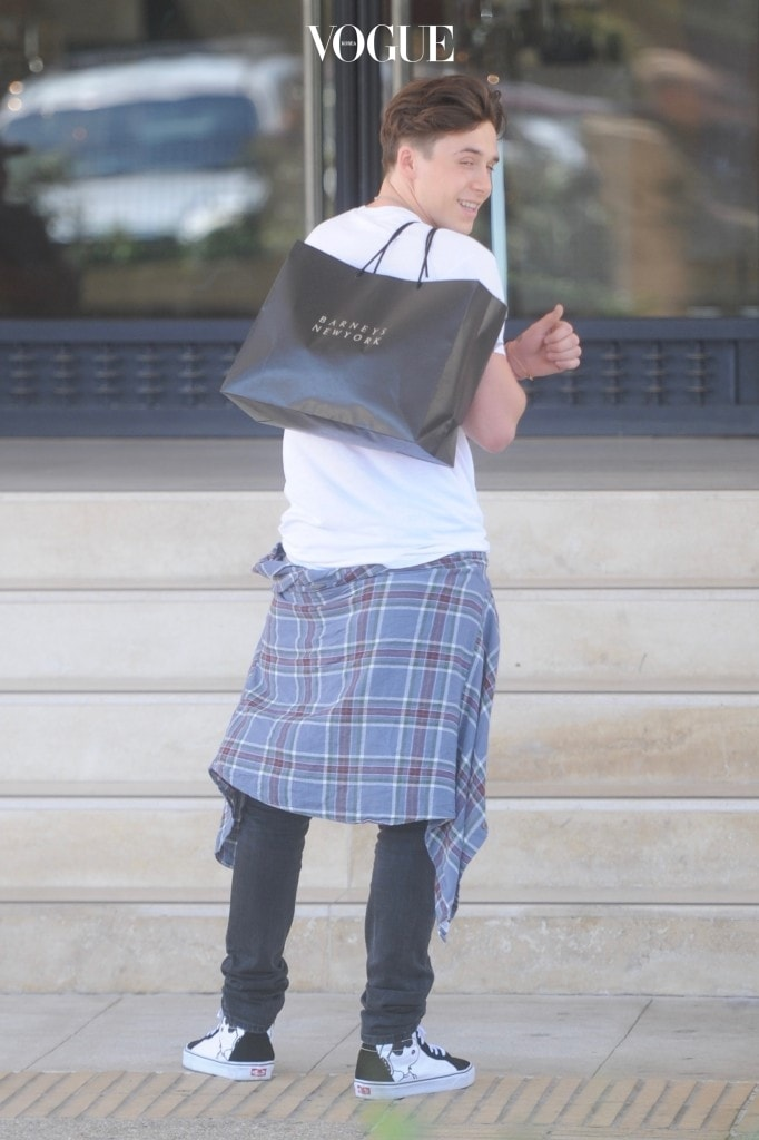 Brooklyn Beckham and Madison Beer are seen leaving Barney's NYC in Beverly Hills. Pictured: Brooklyn Beckham Ref: SPL1542732  210717   Picture by: Picture Perfect / Splash News Splash News and Pictures Los Angeles:310-821-2666 New York:212-619-2666 London:870-934-2666 photodesk@splashnews.com