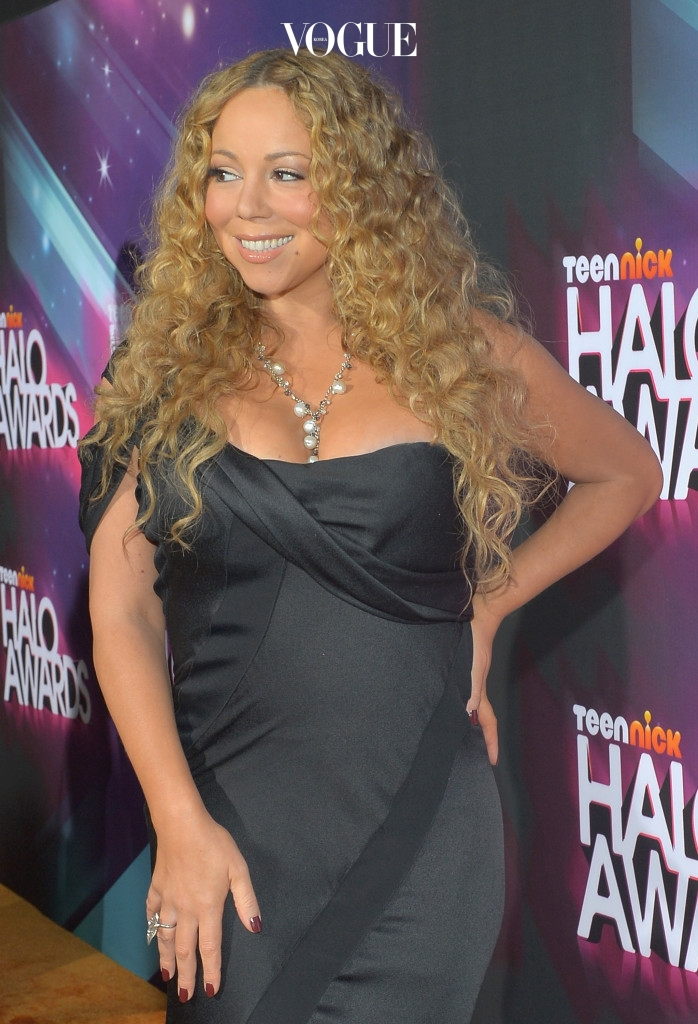 HOLLYWOOD, CA - NOVEMBER 17:  Singer Mariah Carey arrives at Nickelodeon's 2012 TeenNick HALO Awards at Hollywood Palladium on November 17, 2012 in Hollywood, California. The show premieres on Monday, November 19th, 8:00p.m. (ET) on Nick at Nite.  (Photo by Charley Gallay/Getty Images For Nickelodeon)