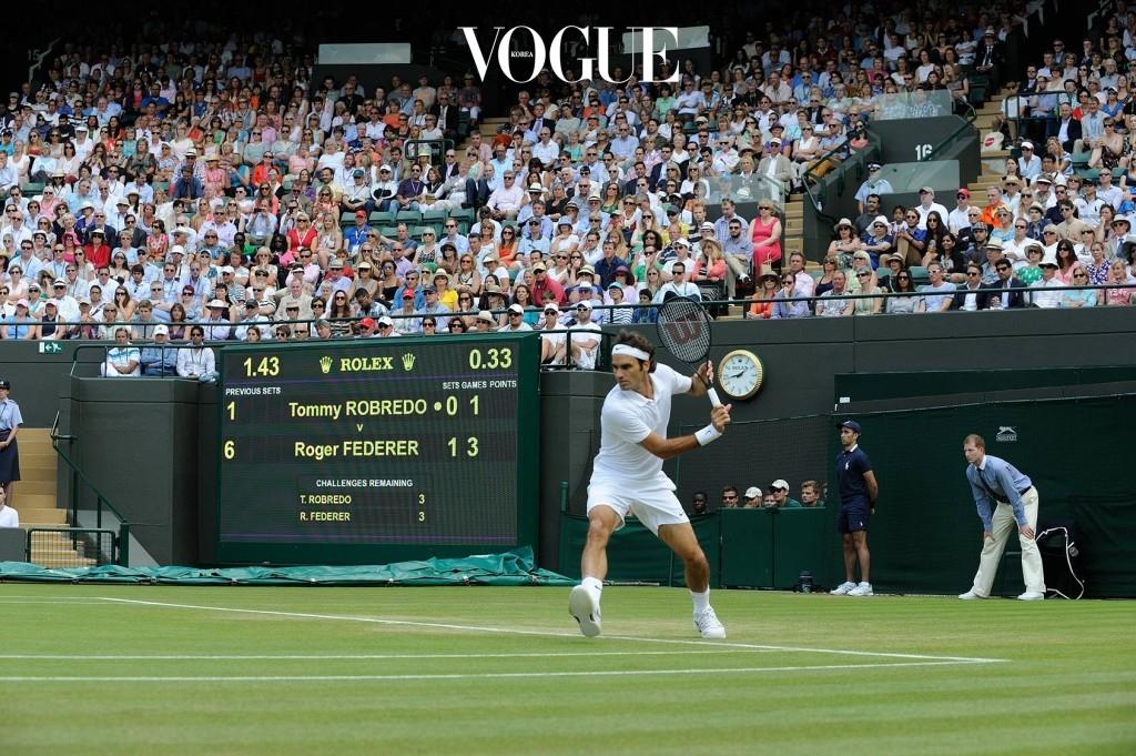얼마 전 막을 내린 2017 윔블던(Wimbledon)테니스 대회.  밤을 설쳐 나의 사랑 로저 페더러를 응원하는 그 순간에도 전광판에서는 롤렉스(Rolex)의 공식 타임키퍼가 움직이고 있었다.  시간 앞에선 페더러도 나이를 먹는구나….
