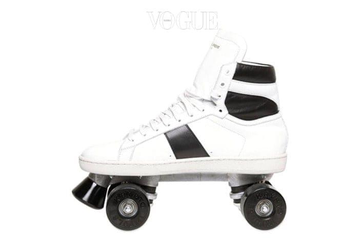 생로랑의 하이탑 운동화 롤러 스케이트는 익숙할 수도 있겠습니다.