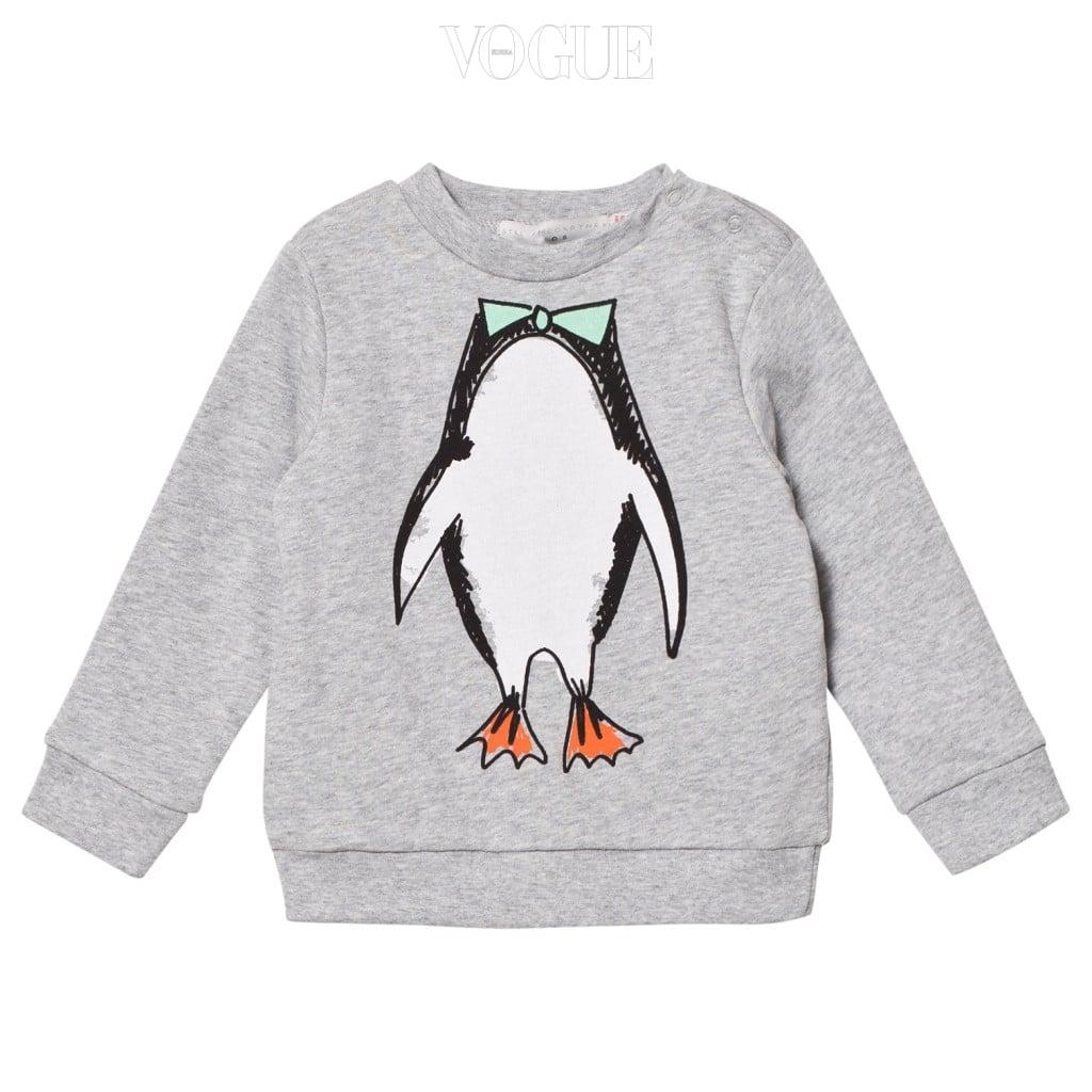 깜찍한 펭귄을 프린트한 스웨트 셔츠는 스텔라 매카트니 키즈(Stella McCartney Kids).