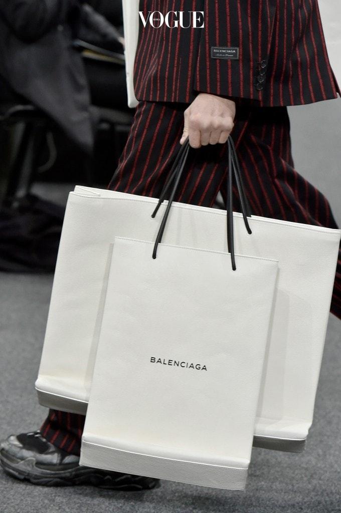 (명품) 쇼-핑-백 … ?! 2017 F/W Balenciaga Mens