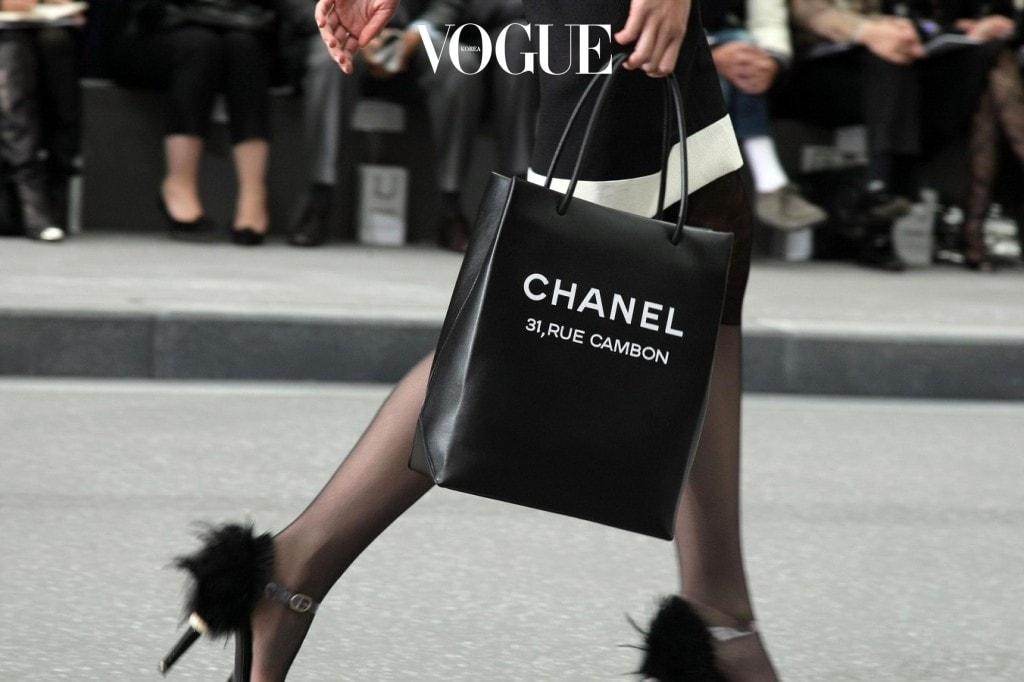 바로, 샤넬! 여자들의 로망인 샤넬에서! 2009 S/S Chanel